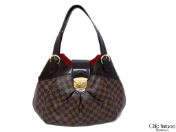 Bolso LOUIS VUITTON modelo SISTINA GM