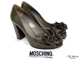 Salones MOSCHINO Cheap & Chic Flor